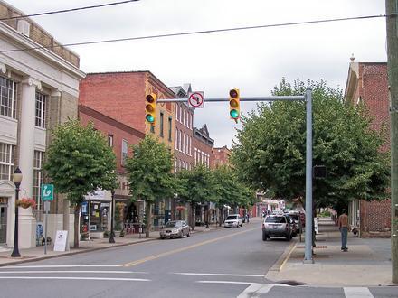 Hinton, West Virginia Image