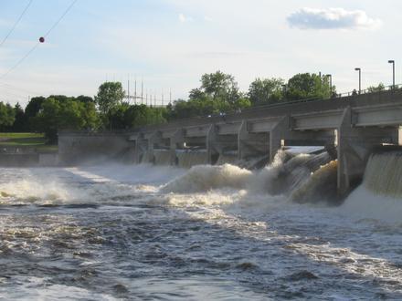 Coon Rapids 图像